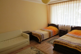 Гостевая двухкомнатная квартира в спальном районе